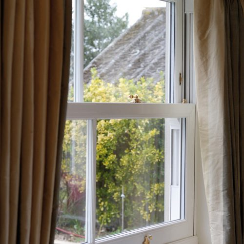 Spectus Vertical Sash Close Up